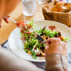 Lounasetu sopimusruokailuna tai lounasseteleillä, kotona tai konttorilla